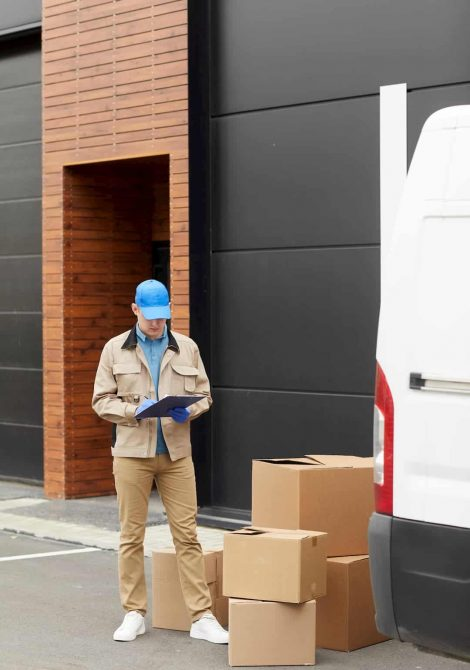 courier-accepting-parcels